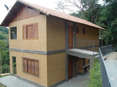 construção c/ tijolo ecológico.