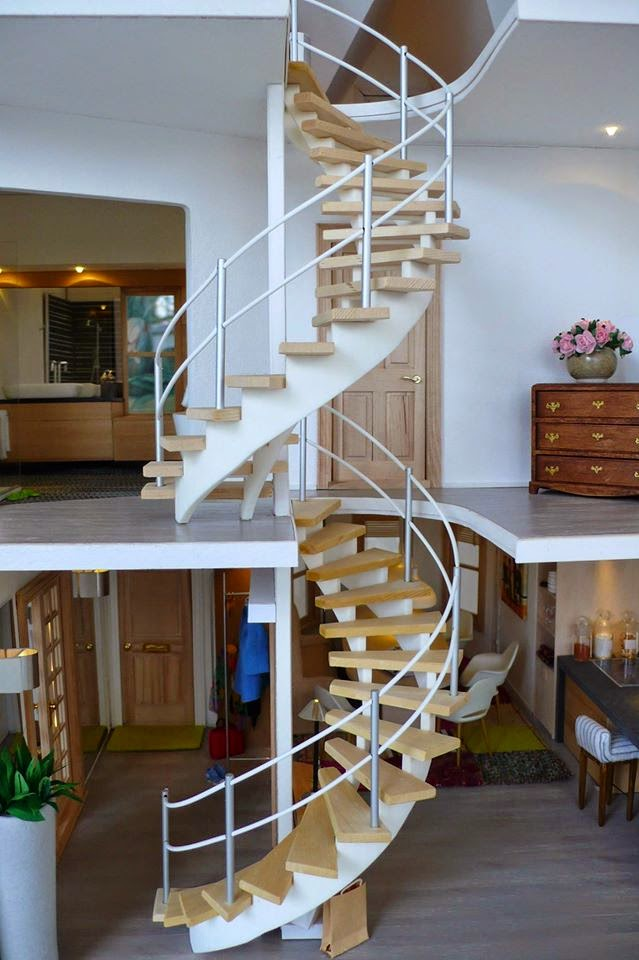 Miniature Contest 1:12: The 270° Spiral Stairs Turned Out Stunning! The  Base Printed In 3d White Polished Plastic, Then Added The Wooden Steps.