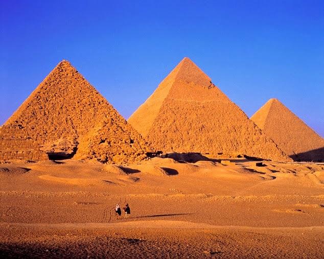 essay on pyramid of giza