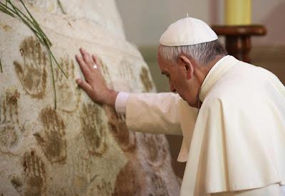 Ferenc pápa, egyház, rákbetegség, agydaganat, Vatikán, Quotidiano Nazionale, Fukusima Takanori, Federico Lombardi