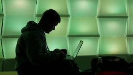 Guerra online contra las atrocidades del Estado Islámico es tan dura como en Siria e Irak