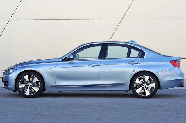 2013 BMW ActiveHybrid 3 Wallpaper