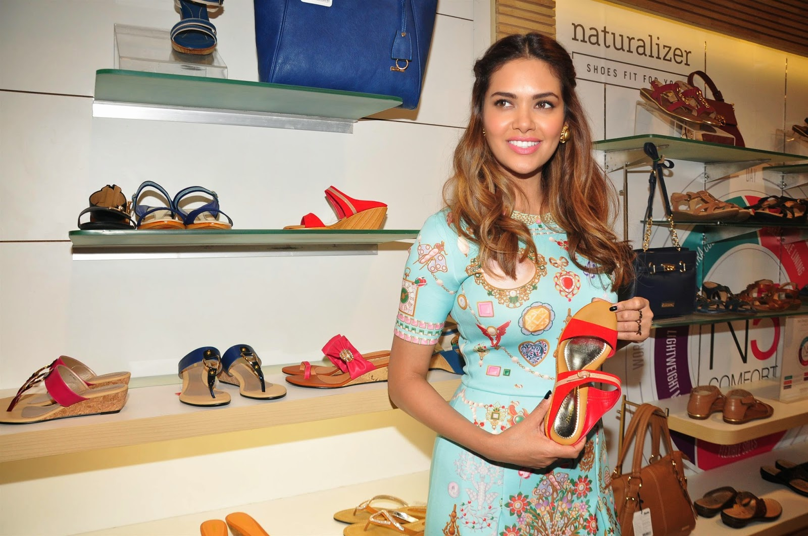 Esha Gupta Launch Iconic Bata Store Pics