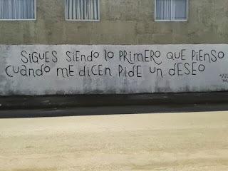 pared pintada con una frase romantica
