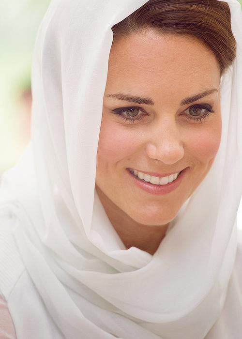 Muslim Fashion Around The World Head Scarf As A Fashion Statement