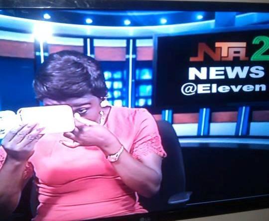 NTA Presenter Caught On Air Applying Make Up