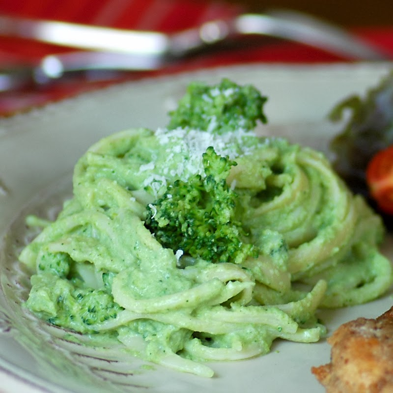 Linguine with Broccoli Sauce