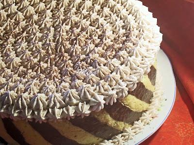 """Tort """"Senzatii tari"""""""