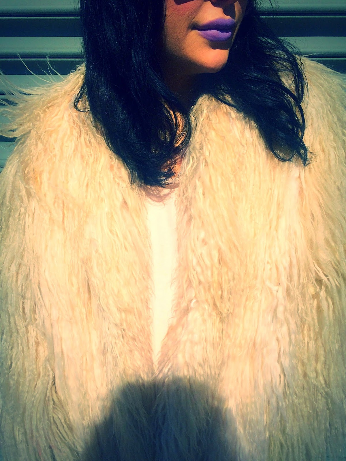 Kat Von D Coven lipstick, lilace lipstick, vintage white shag coat, furry long coat, wearing purple lipstick, how to wear lavender lipstick, KatVonD makeup lips