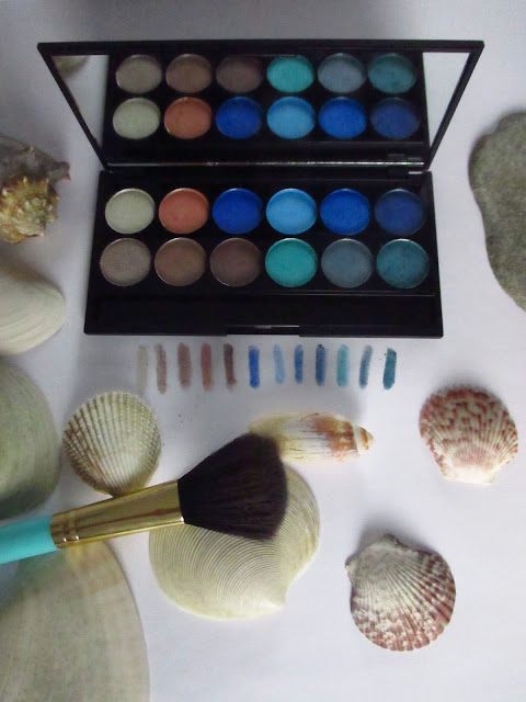 Sleek Nautical Collection Review Beauty Blog Blue Ocean Blau Grün Green Sand Muscheln Shells