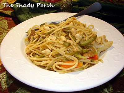 Chicken Lo Mein with Peanut Sauce