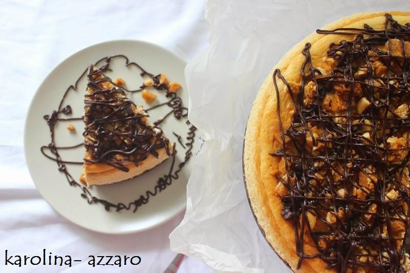 Arašidový cheesecake s arašidovým karamelom