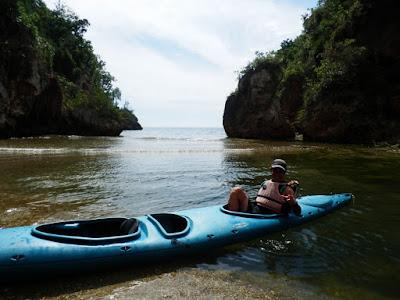 enlacima-en-kayac-en-villa-guajimico-cuba