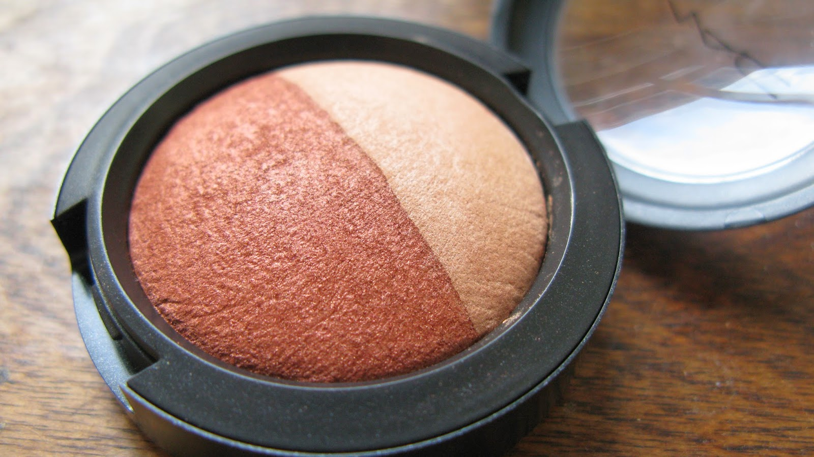 mac orange copper beige shadow duo close up