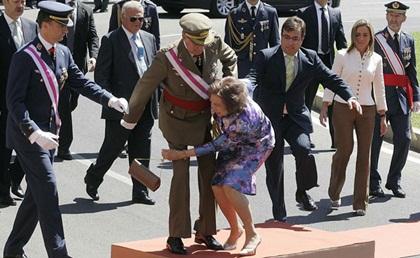 Những đôi giày cao gót giúp các nữ chính trị gia trở nên hấp dẫn