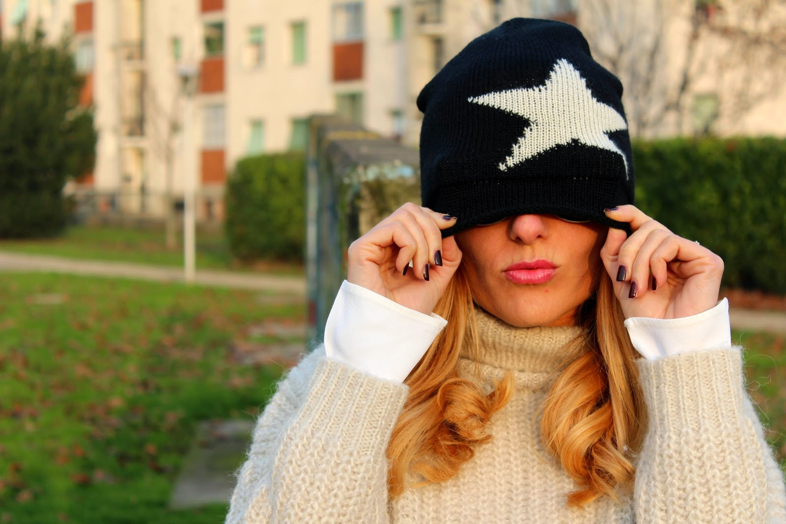 Eniwhere Fashion - maxi sweater and beanie