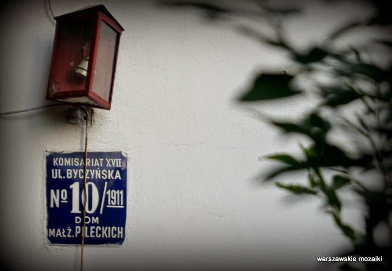 Warszawa Grochów Gocław Praga Południe dworek osiedle dworkowe kolonia lata 20 PPS Kazimierz Pużak kontrasty warszawskie tabliczka