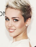 Miley Cyrus – Wrecking Ball lyrics