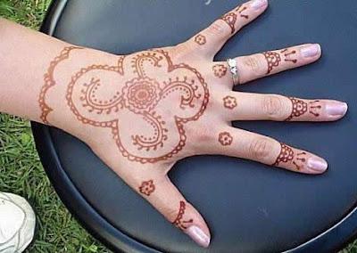 Simple Mehndi Tattoo Hands : Mehndi bridal desgins for brides dresses dulhan