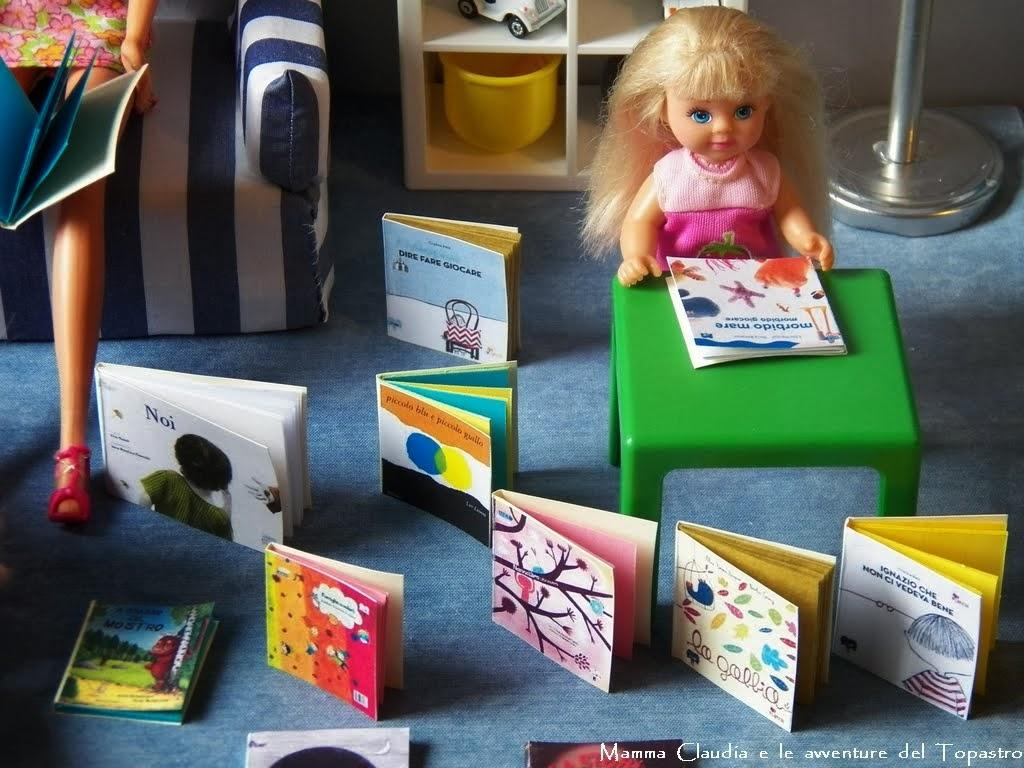 Piccoli libri con pagine colorate