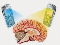 10 Tips Mengurangi Bahaya Radiasi Ponsel