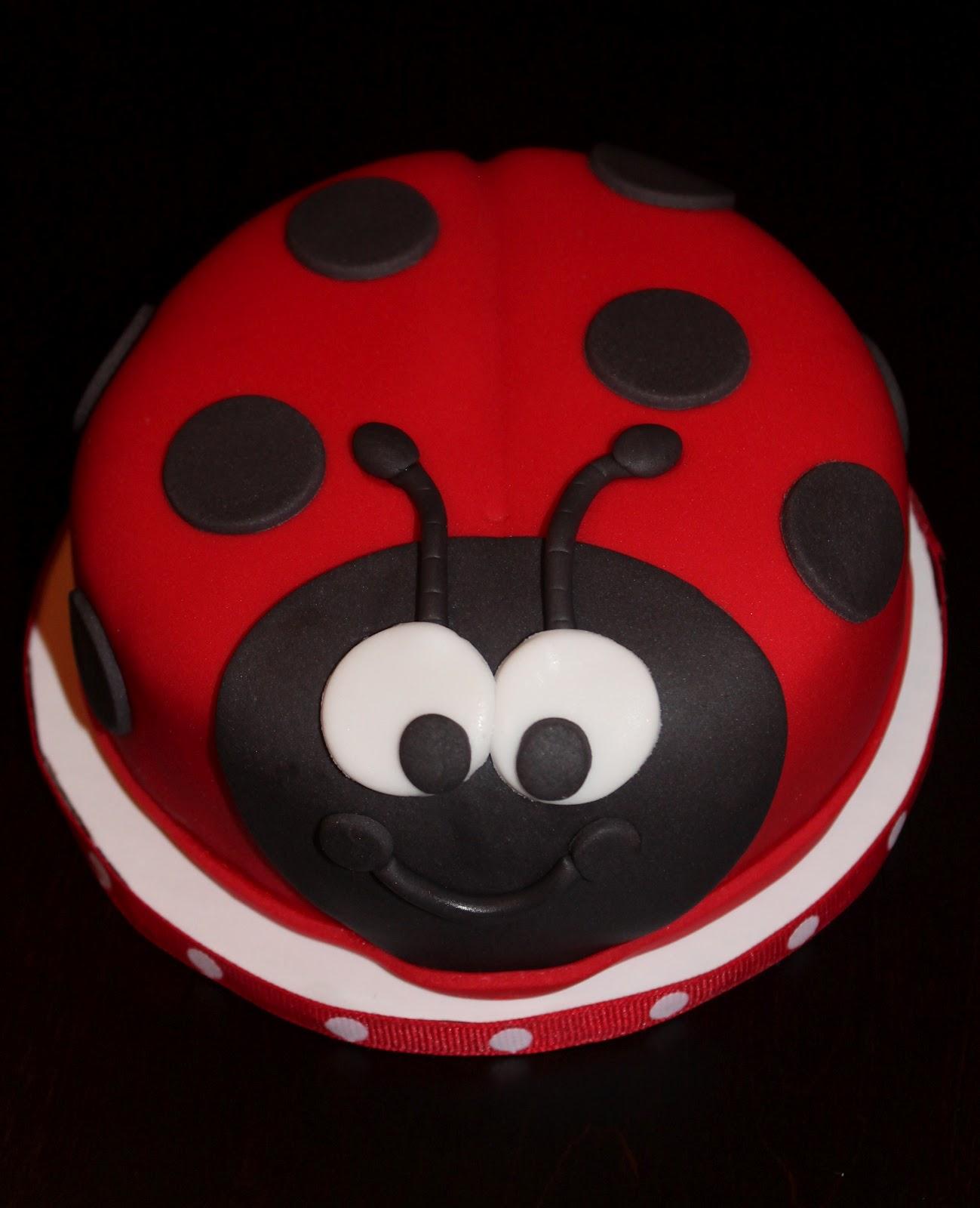 Creative Cakes By Lynn Ladybug Cake Amp Cupcakes