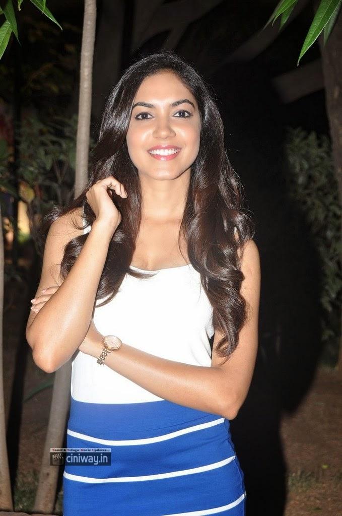 Actress-Ritu-Varma-Stills-at-Kiraak-Music-Launch