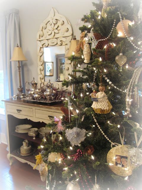 vintage shabby chic Christmas dining room