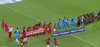http://www.futebolbahiano.org/2015/03/vitoria-ressurge-e-vence-o-america-rn.html