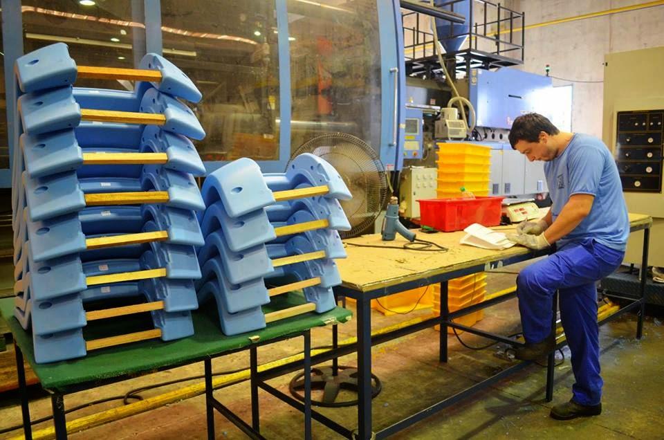 Lambari online empresa de lambari fabrica cadeiras para for Fabrica de copas