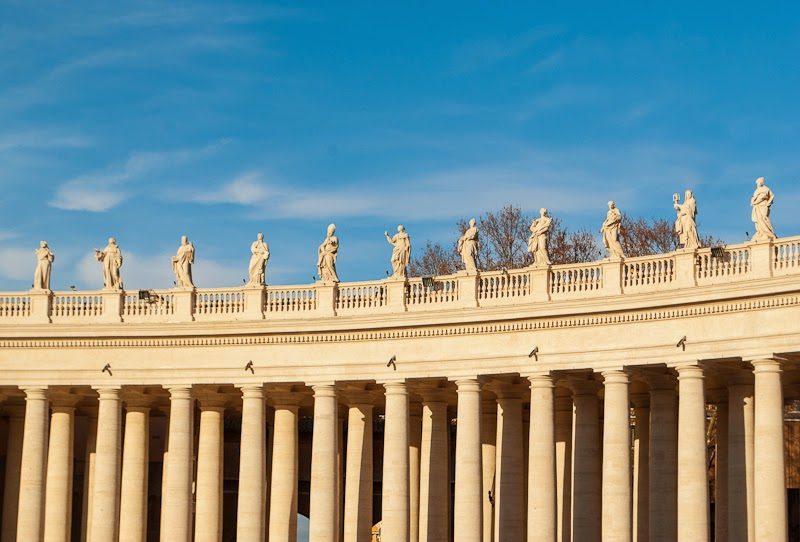 columns around the vatican