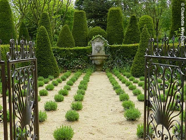 Normandy in bloom - fabulous French gardens | The Galloping Gardener