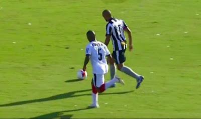 Vitória perde para o Botafogo e continua a queda na tabela