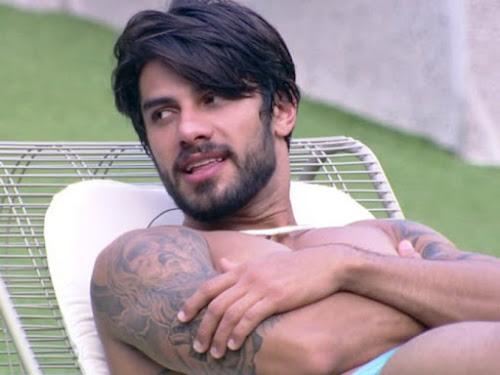 """Renan comenta atitude de Maria Claudia e causa polemica """"Só quem conviveu com essa louca pode falar"""""""