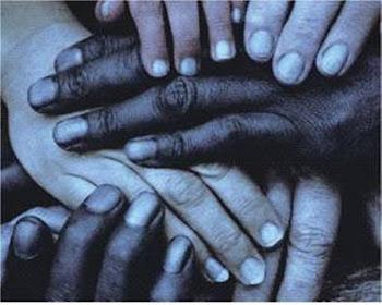 Mãos unidas em prol de algo...