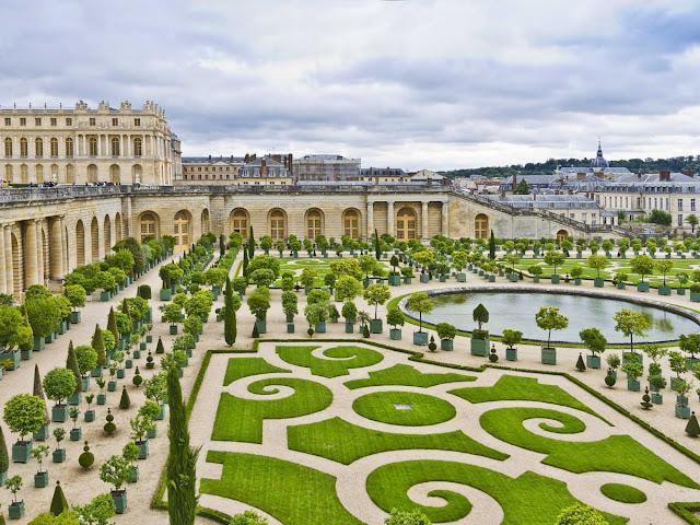 قصر فرساي بفرنسا على قائمة التراث العالمي