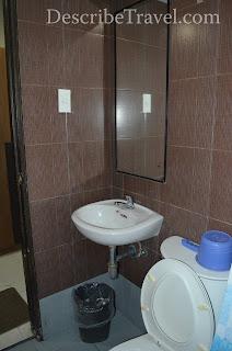 toilet / comfort room of olongapo city inn