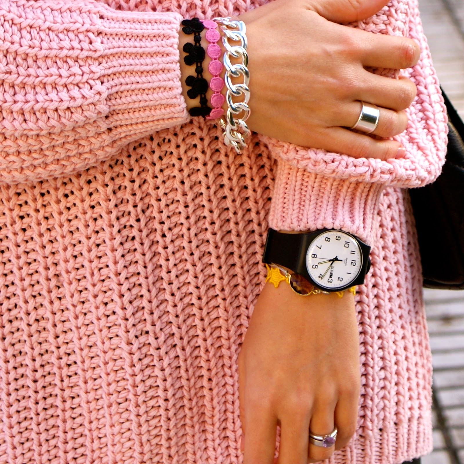 LaCaprichossa - StreetStyle - Fashion Blogger - botas de agua - mini de cuero y jersey - mango - swatch - cruciani C - yanes young
