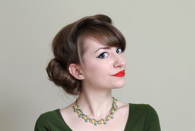 ChronicallyVintage Etsy shop - 1950s style floral necklace