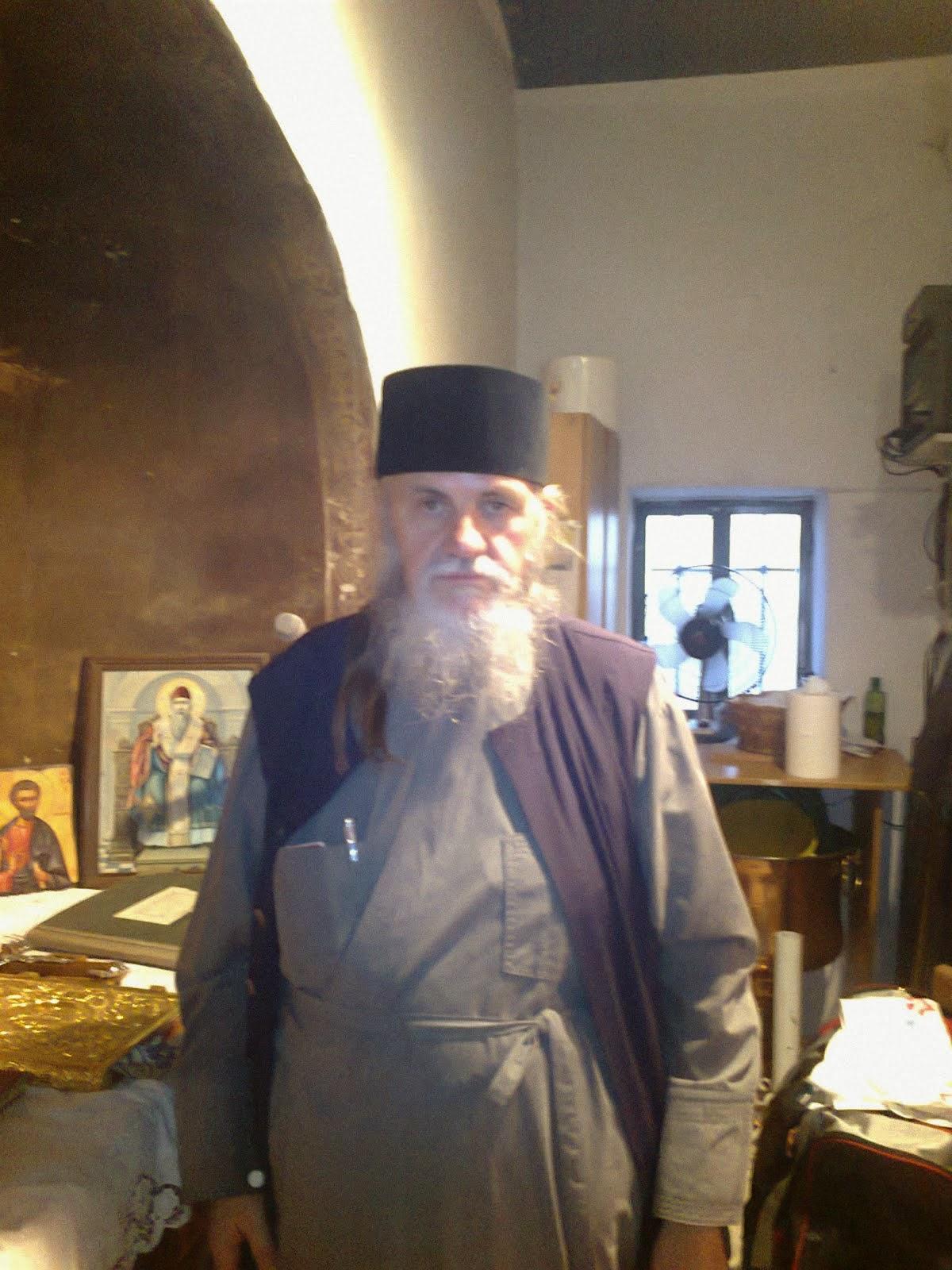 + Πατήρ Νικόλαος Κυπραίος