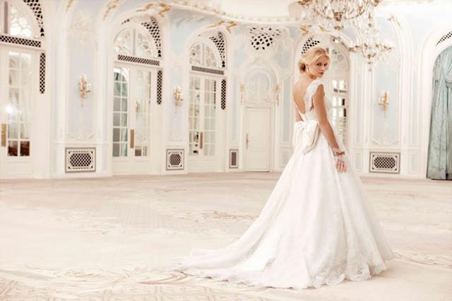 2016 Wedding Ideas: Sassi Holford Wedding Dress Sample Sale