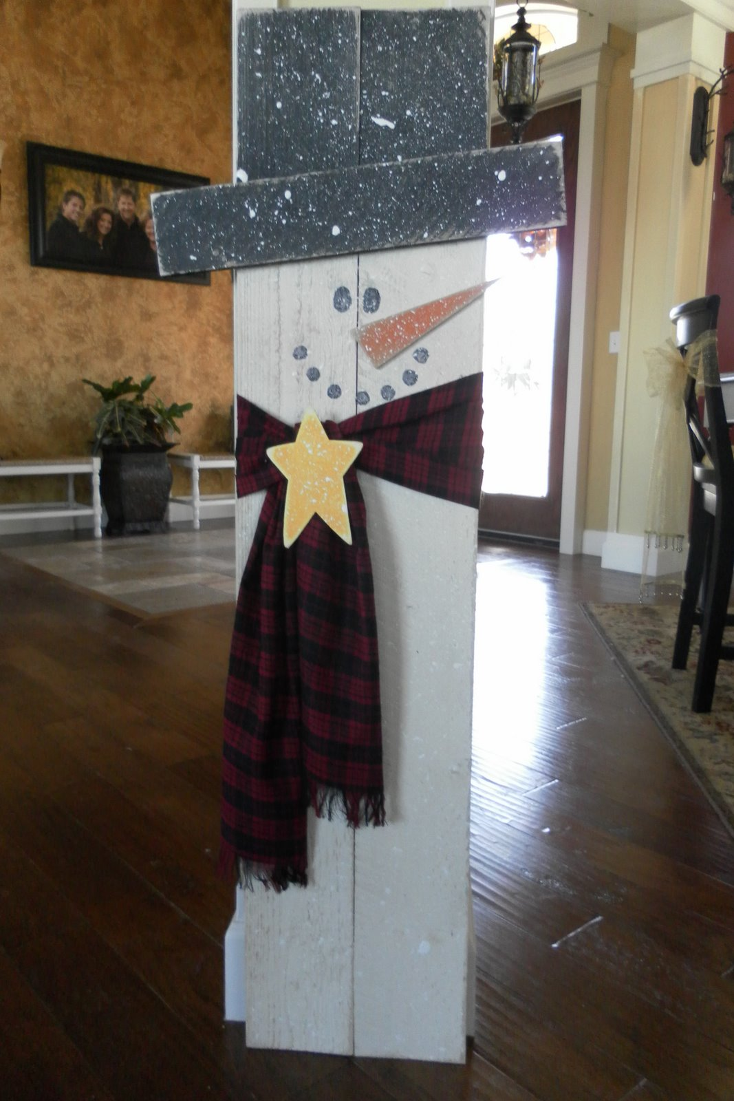 1000 images about pallet crafting on pinterest snowflakes primitive scarecrows and planks - How to make a snowman out of wood planks ...