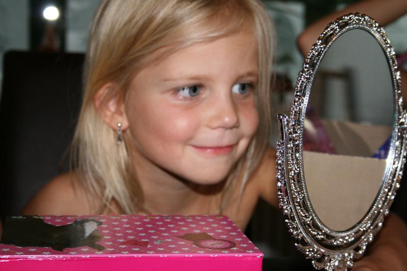 Luna robbin marna aedan hoera marna 5 jaar - Kamer klein meisje jaar ...