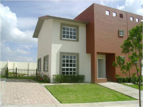 Mi casa mi hogar fachadas casas peque as for Colores exteriores para casas pequenas