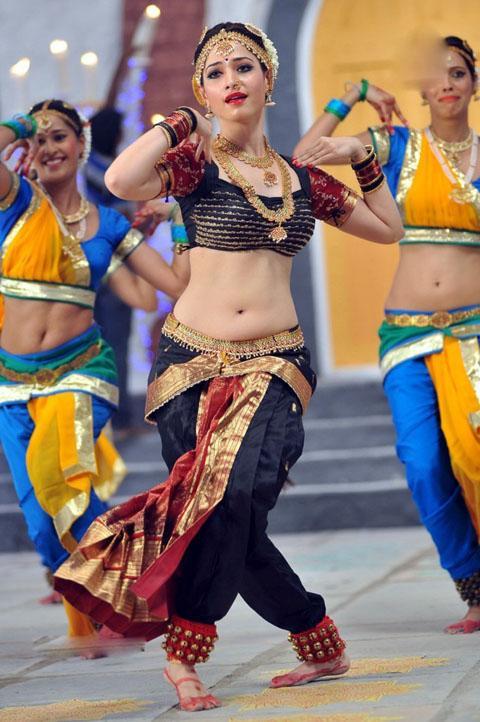 Tamanna Bhatia Cute, Hot n Spicy Navel Show