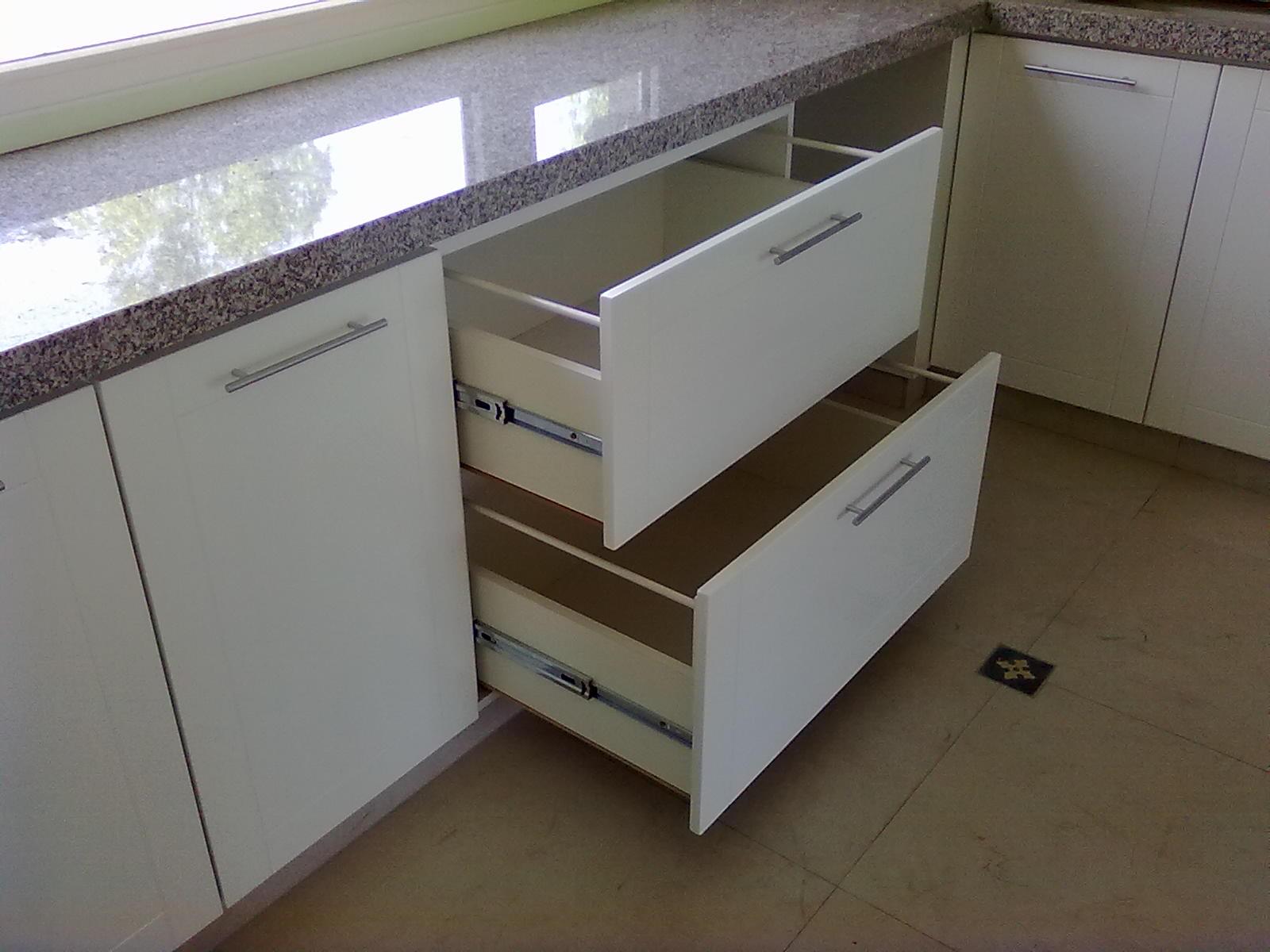 Muebles a Medida Tandil Amoblamiento cocina Laqueado Blanco