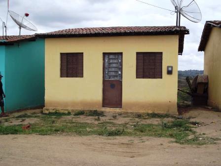 Vende-se uma casa novinha em Bom Jardin