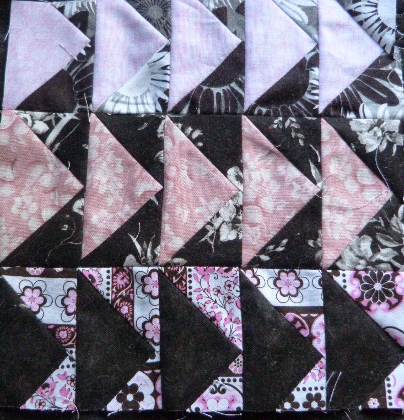 CHQuilts: pink and black flying geese
