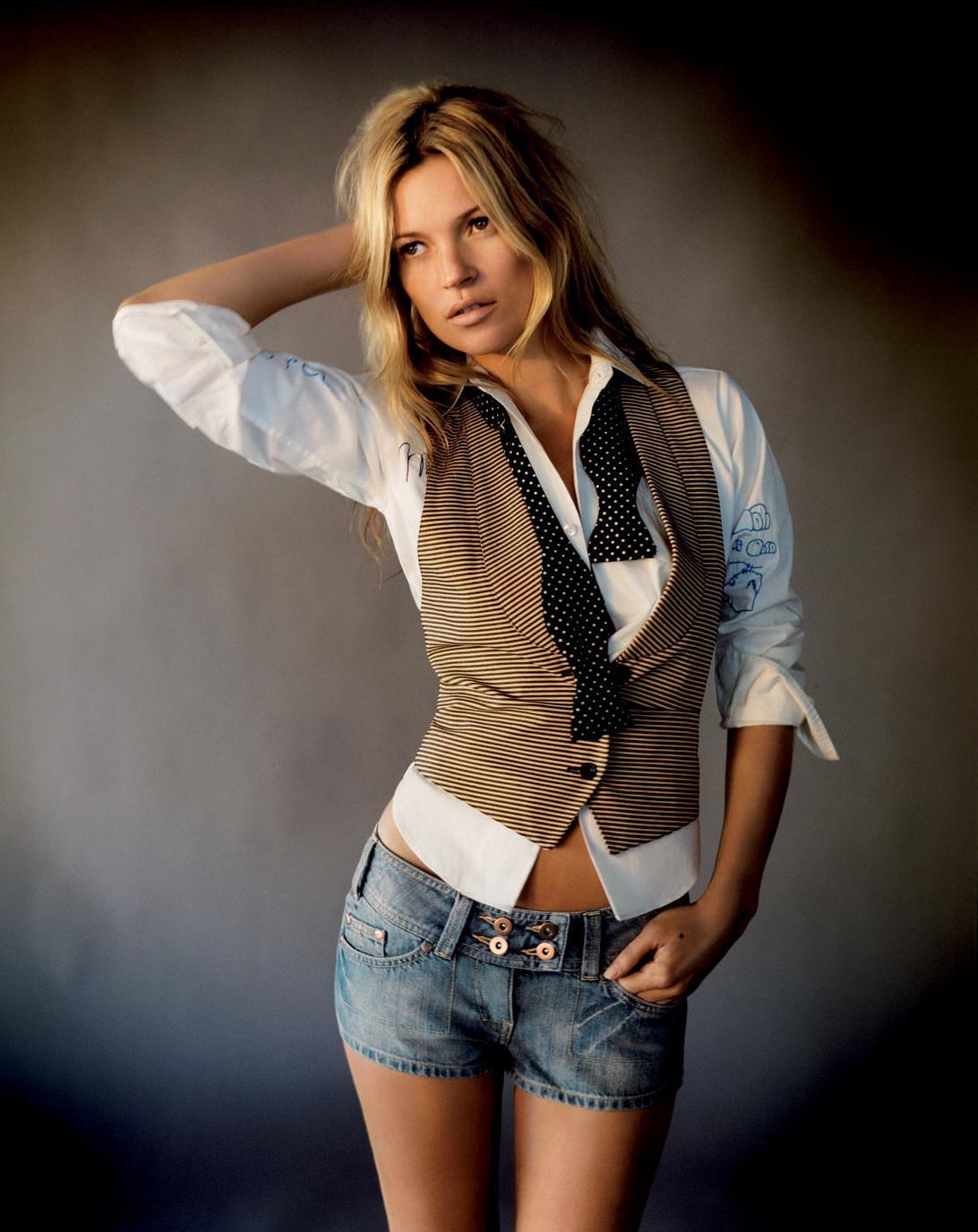 http://1.bp.blogspot.com/-TwtARjBeBy8/T4VGt-SZgxI/AAAAAAAAABE/qGiqGmnJChw/s1600/Kate_Moss_0089.jpg