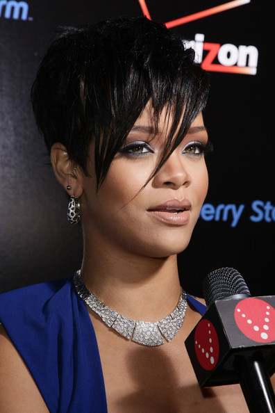 rihanna short hairstyles